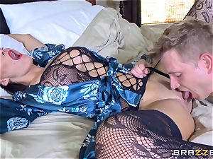 hotwife wifey Peta Jensen fuckbox thrashed by Bill Bailey