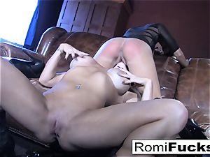 Romi Rain super-hot lesbo fuckfest