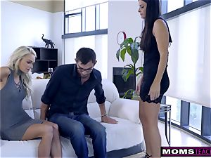 mommy pummels sonnie And eats internal cumshot For Thanksgiving handle