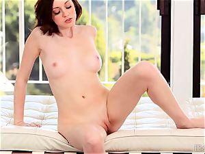 Victoria Voss luvs to satiate her brilliant pinkish gash