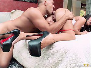 big-titted nurse Alexa Pierce pounds her nasty patient