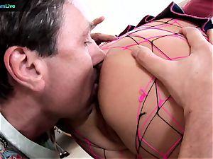 Phoenix Marie takes 2 fuck-sticks on both her fuckholes