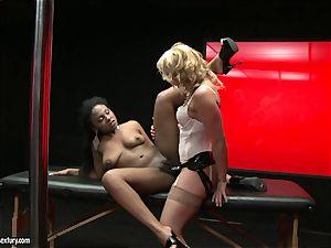 tough Kathia Nobili shoves her wire on salami deep down her partner jaws