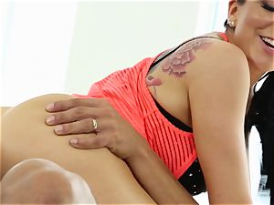 Yoga sweeties Romi Rain and Summer Brielle pounded by the trainer
