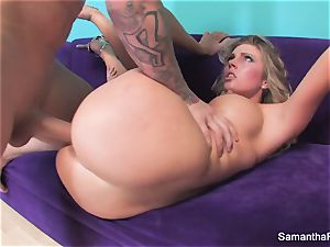Samantha Saint gets her cock-squeezing pink muff screwed