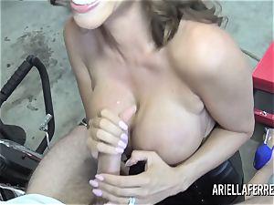 Ariella Ferrera pays the bills with her super-hot drill crevasse