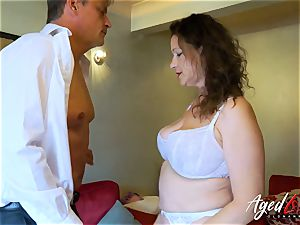 AgedLovE Bussinesman Seduced by sizzling Mature mother