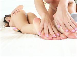 lesbian sole fetish joy with Mia and Rahyndee