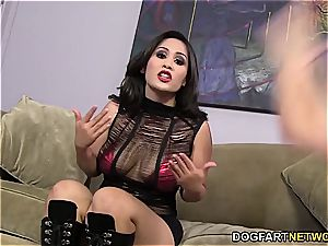 Jessica Bangkok gets big black cock and abases her hotwife
