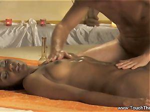 An Advance fingerblasting and body massage