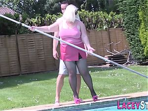 granny ravages the Pool Cleaner really stiff