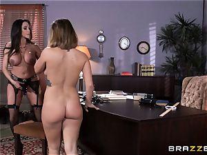 dirty professor Ariella Ferrera seduces student Keisha Grey