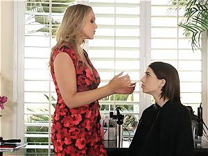 Julia Ann seduces sexy nubile Joseline Kelly